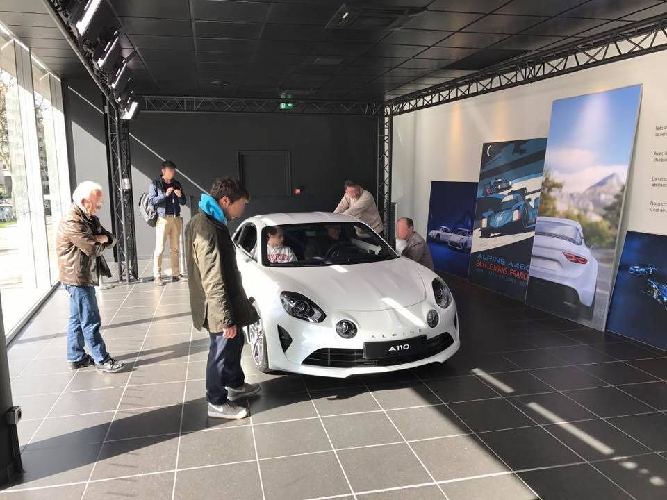 show room alpine 3
